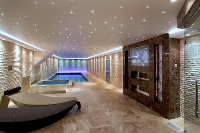 Leisure suite 1