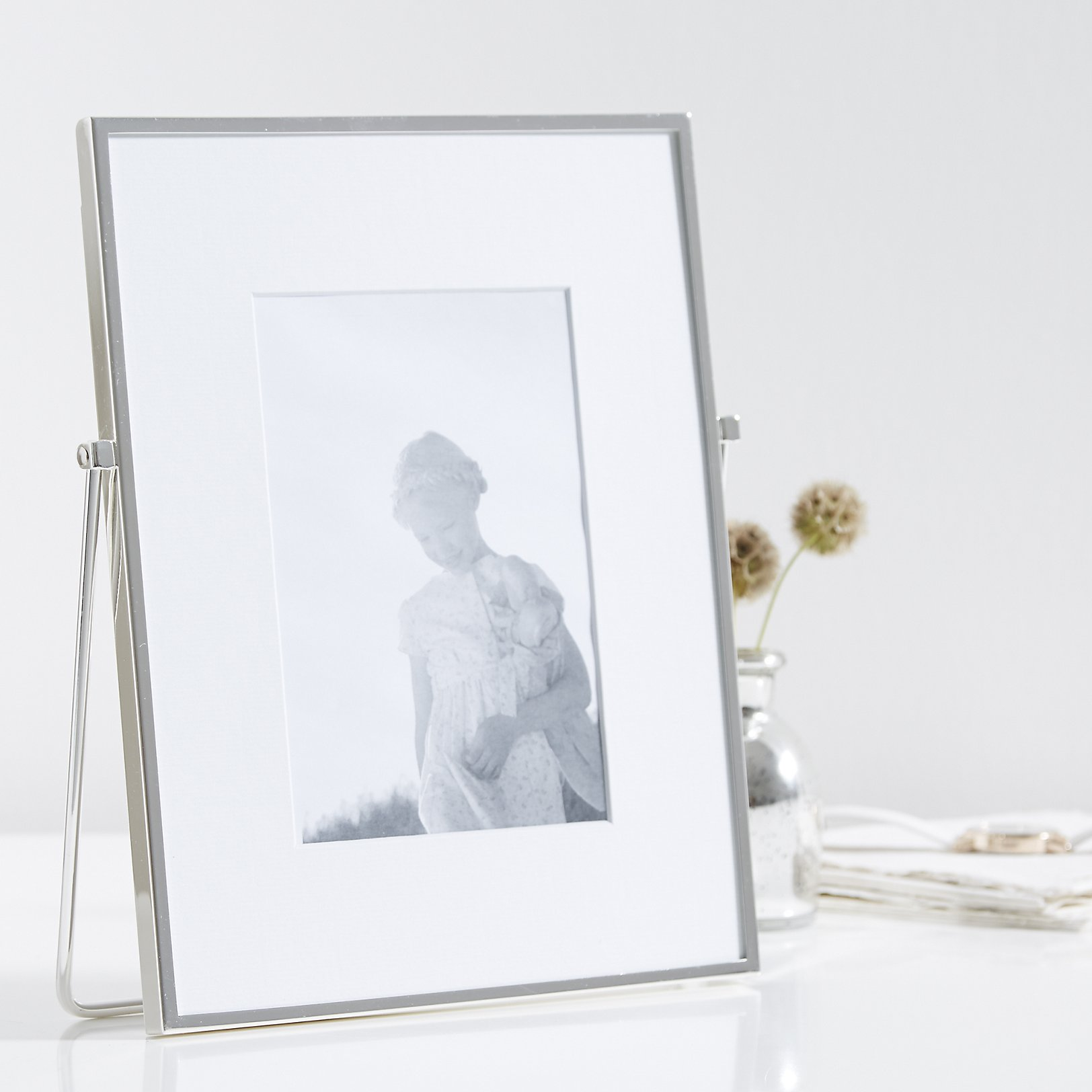 Silver 5x7 easel frame