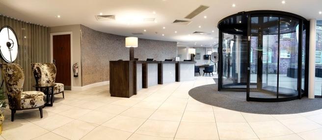 HL_hotellobby1_2_1280x560_FitToBoxSmallDimension_Center